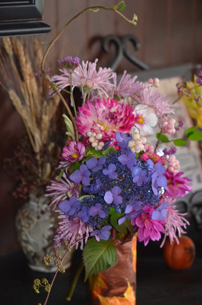 twist and shout hydrangea, pink cnterpiece mums, dahilas, cosmos, symphoricarpos coral berries,